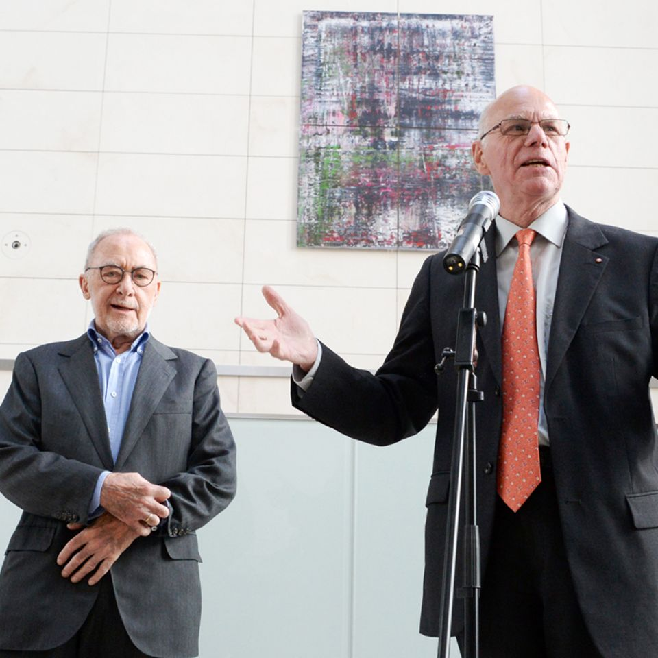 Bundestag President Norbert Lammert together with Gerhard Richter in front of one of the images of the Birkenau series