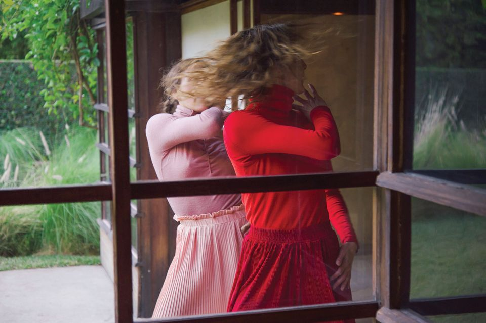Gerard & Kelly, Modern Living (2016) performance at the MAK Center for Art & Architecture at Schindler House, West Hollywood, CA, January 2016. Pictured: Julia Eichten and Rachelle Rafailedes of LA Dance Project