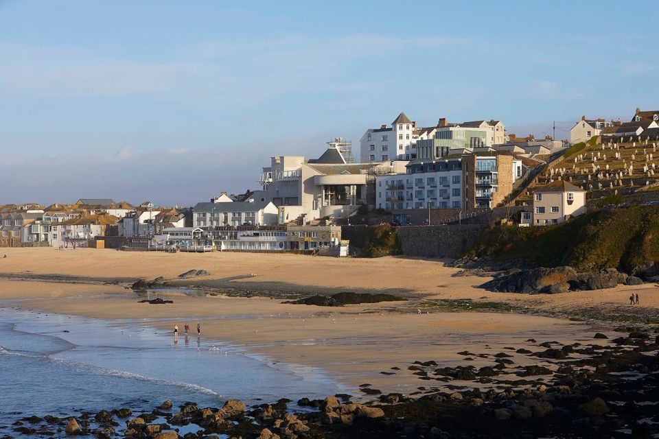 Tate St Ives (centre) by Jamie Fobert Architects
