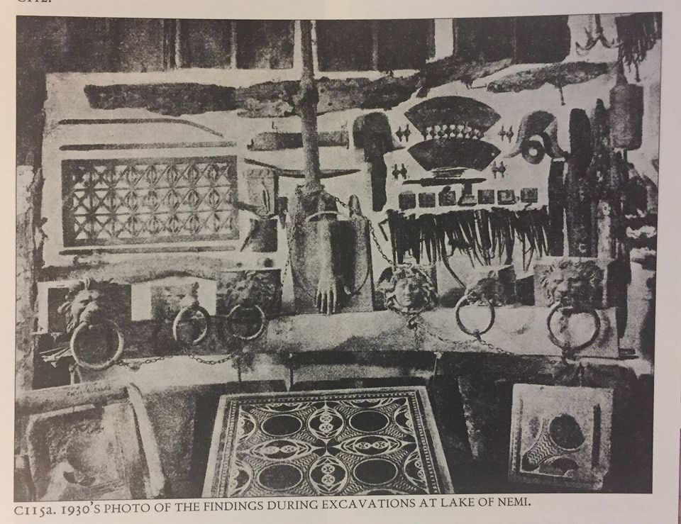 A black and white photo in Dario del Bufalo's book on porphyry shows the mosaic among other finds from the ship excavations
