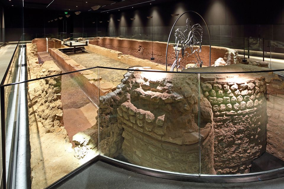 Bloomberg Reveals The Roman Temple In Its Foundations