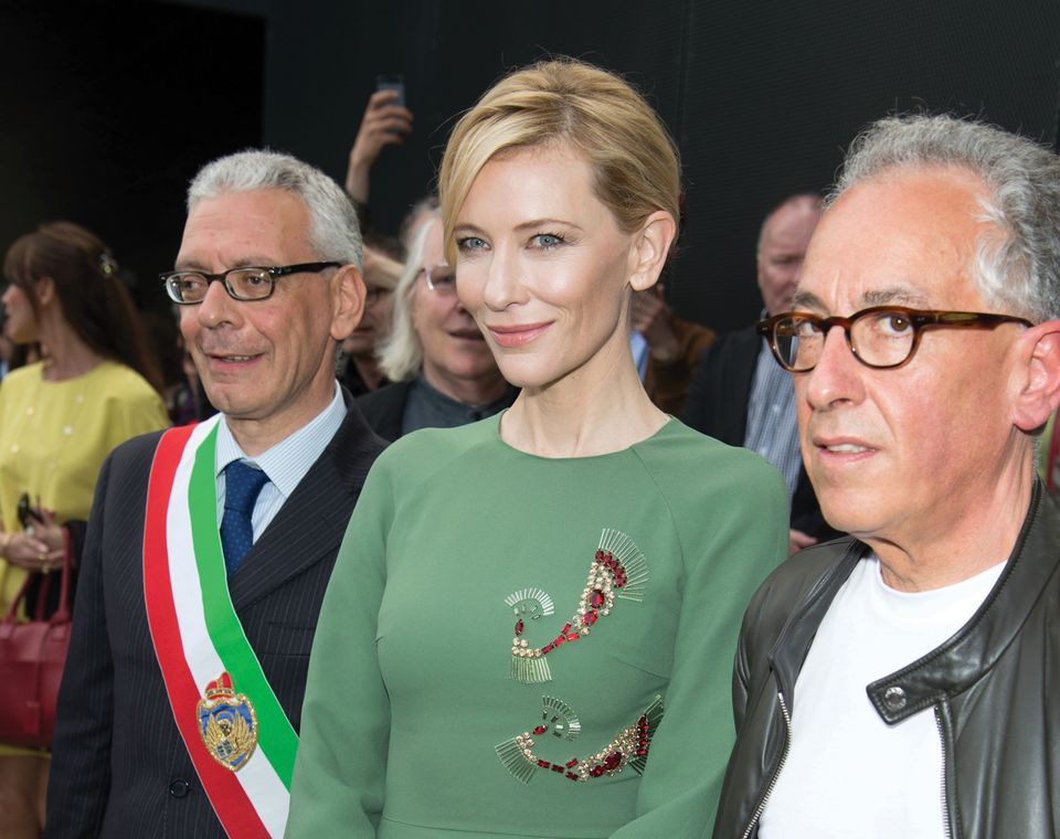 The actress Cate Blanchett with Simon Mordant (right) at the Venice Biennale in 2015