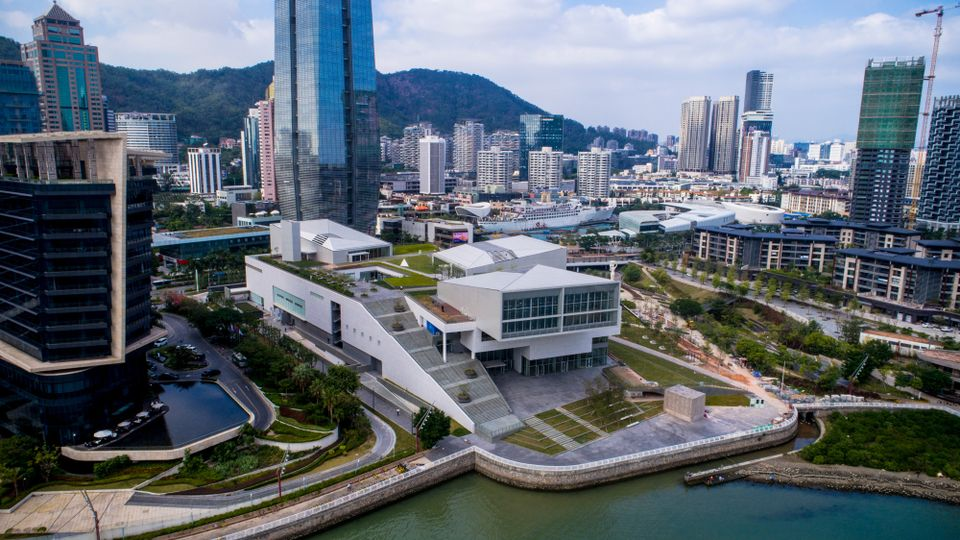 Design Society, designed by the Japanese architect Fumihiko Maki, is the centrepiece of the 71,000 sq. m Sea World Culture and Arts Center in Shekou, Shenzhen