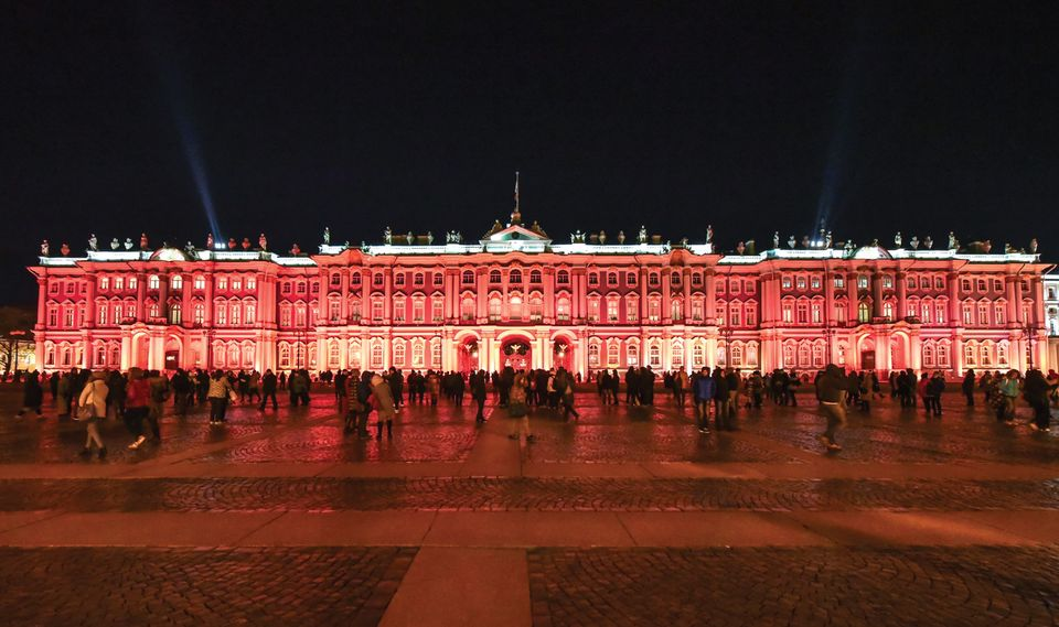 The façade of the Hermitage was bathed in red light for the exhibition's opening on 25 October