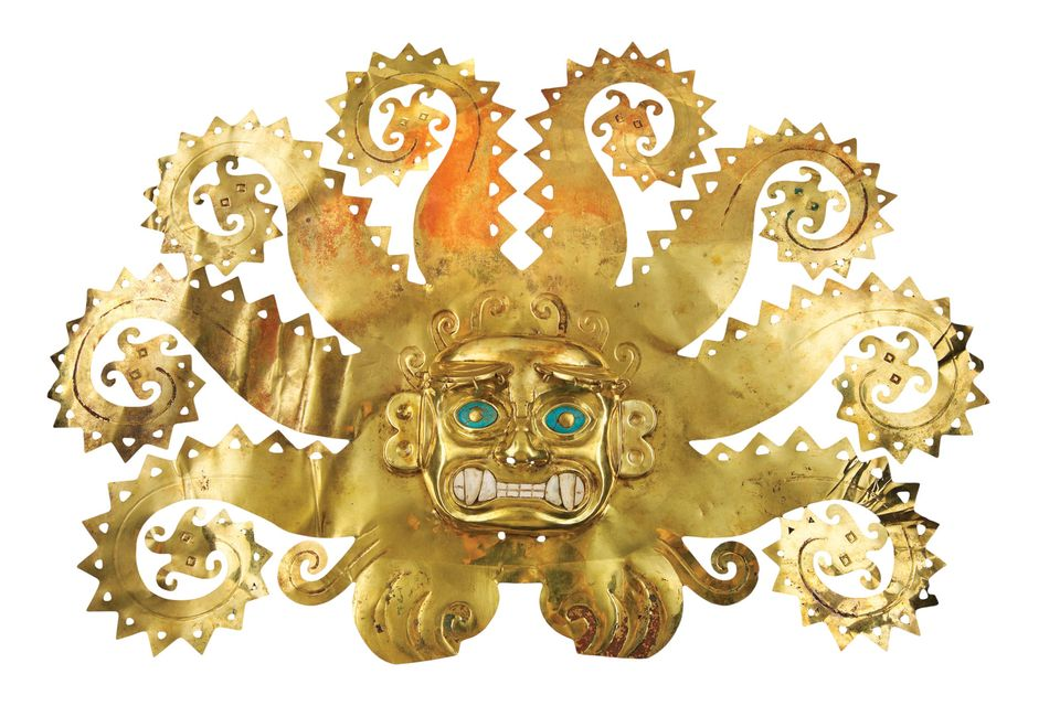 Octopus Frontlet (300-600), Moche culture, in gold, chrysocolla, shells from the Museo de la Nación, Lima, Peru
