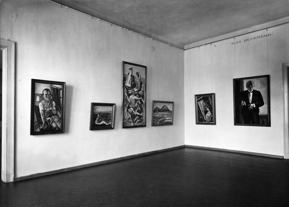 The Max Beckmann hall at the Nationalgalerie in the former Kronprinzenpalais in 1932/33
