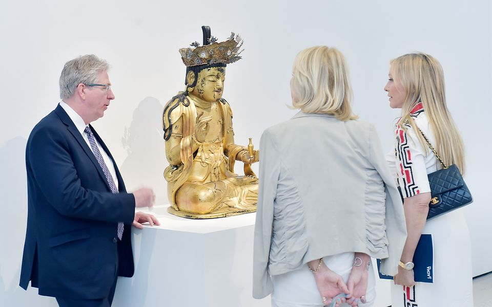 "Lacma curator Stephen Little, promoting the Korean Bodhisattva, ended his pitch by promising collectors supporting the work that they ""will all be reborn"""
