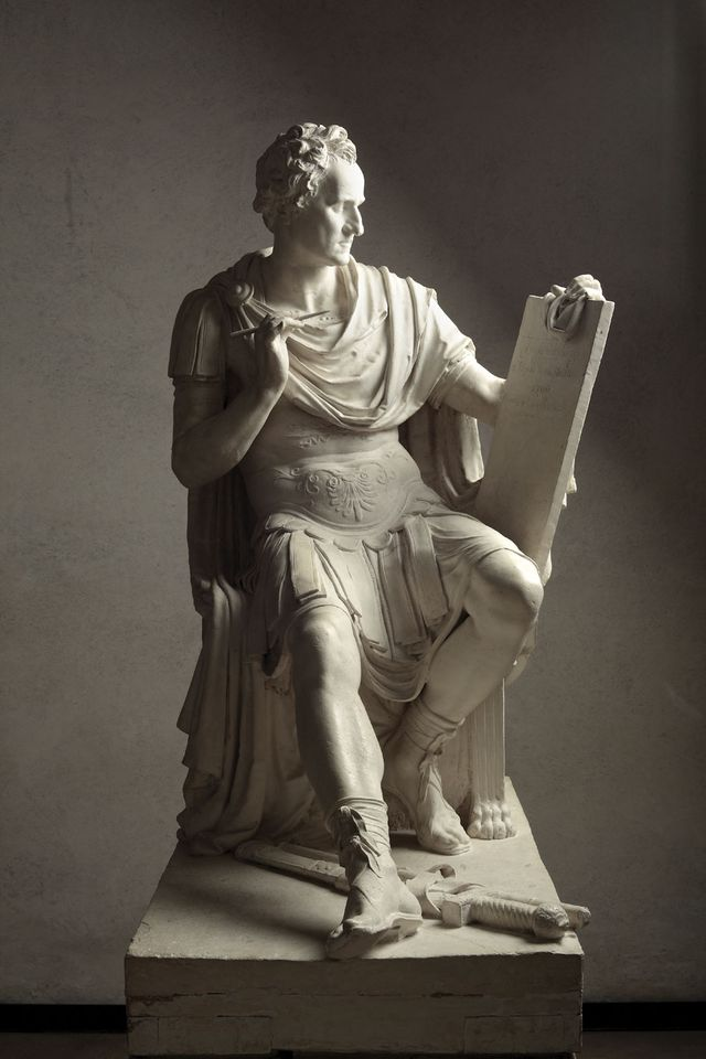 Thomas Jefferson, who believed no US sculptor was up to the task, recommended Antonio Canova to capture Washington's likeness