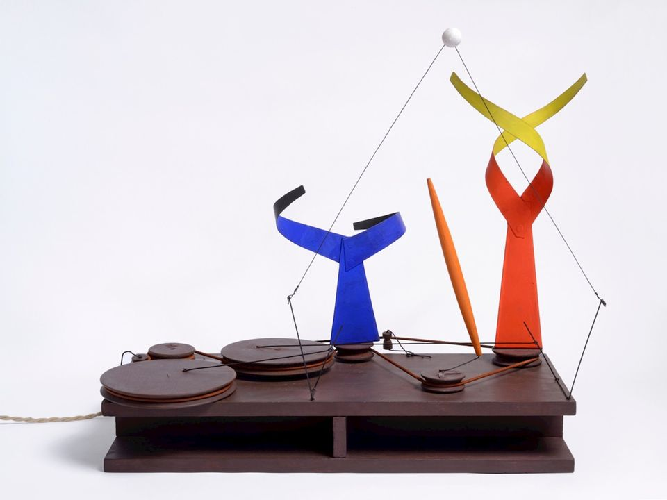 Alexander Calder, Dancers and Sphere (1938)