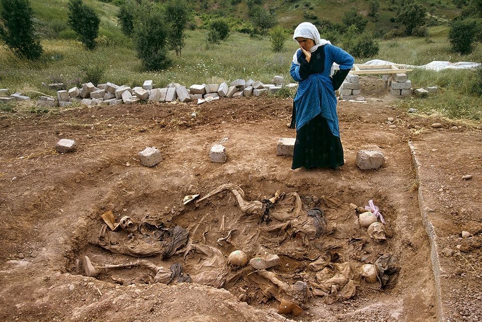 Susan Meiselas, Widow at mass grave found in Koreme, Northern Iraq, June 1992