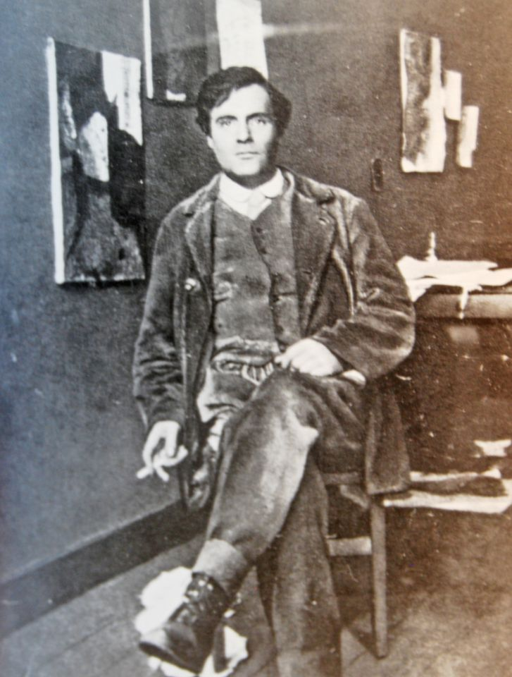Modigliani in his Paris studio in 1915