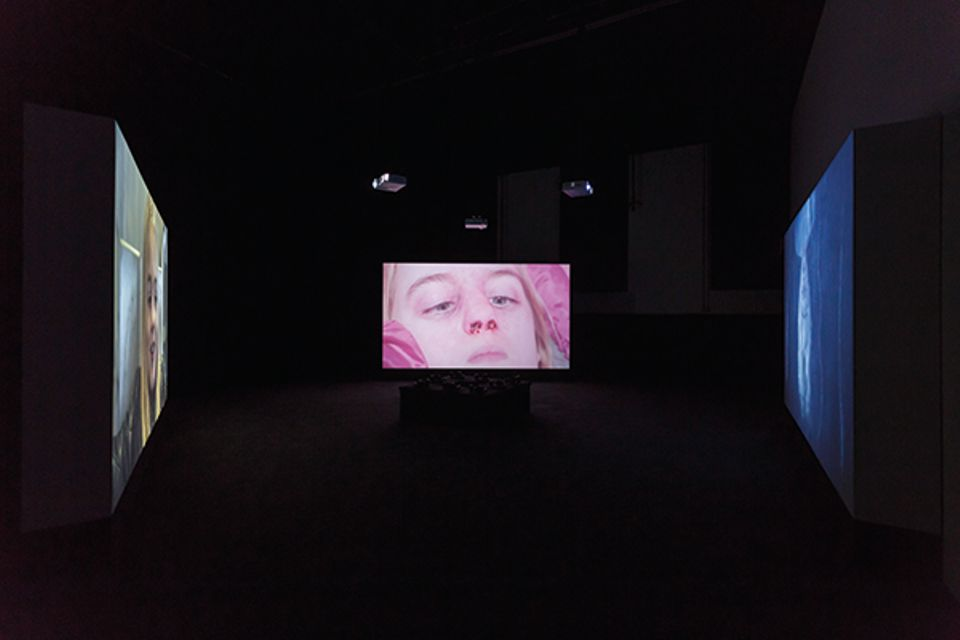 Marianna Simnett, Blood, 2015, installation view at the Zabludowicz Collection