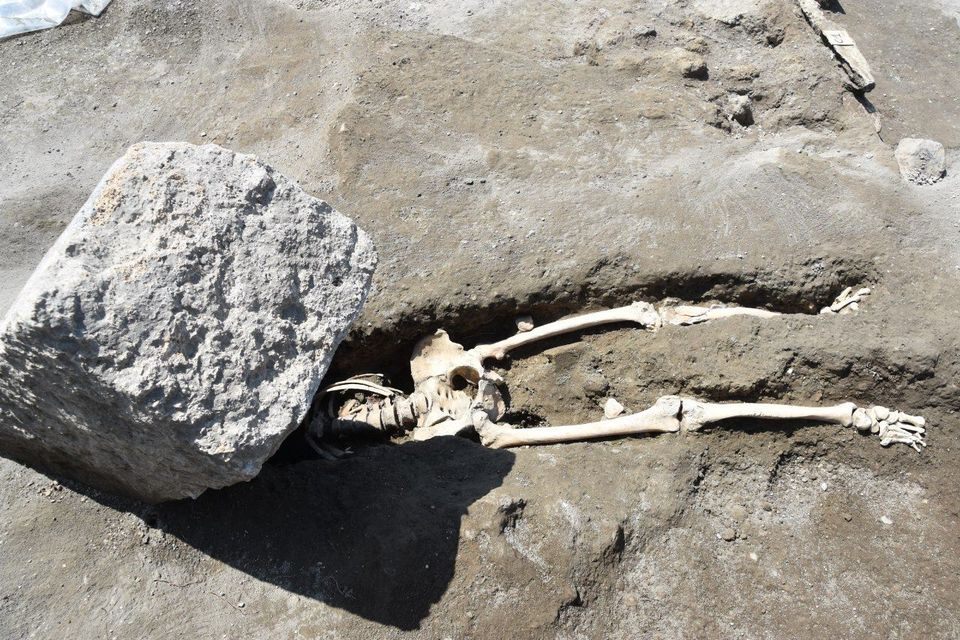 The first victim discovered at the site of the new Regio V excavations