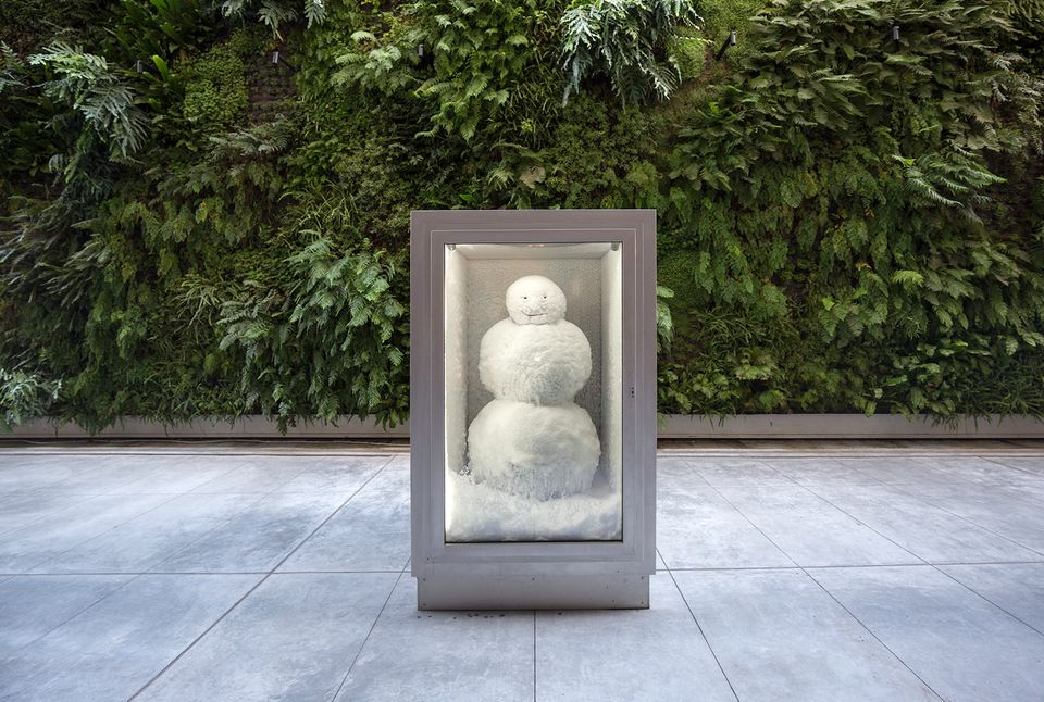 Peter Fischli and David Weiss, Snowman (1987/2016). Copper, aluminum, glass, water, and coolant system, 85 7/8 x 50 3/8 x 65″ (218 x 128 x 165 cm).