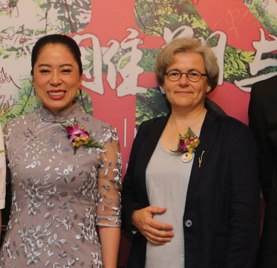 Wu Jing, the owner of the European Art Museum and the future director of the Musée Rodin China, and Catherine Chevillot, the director of the Musée Rodin