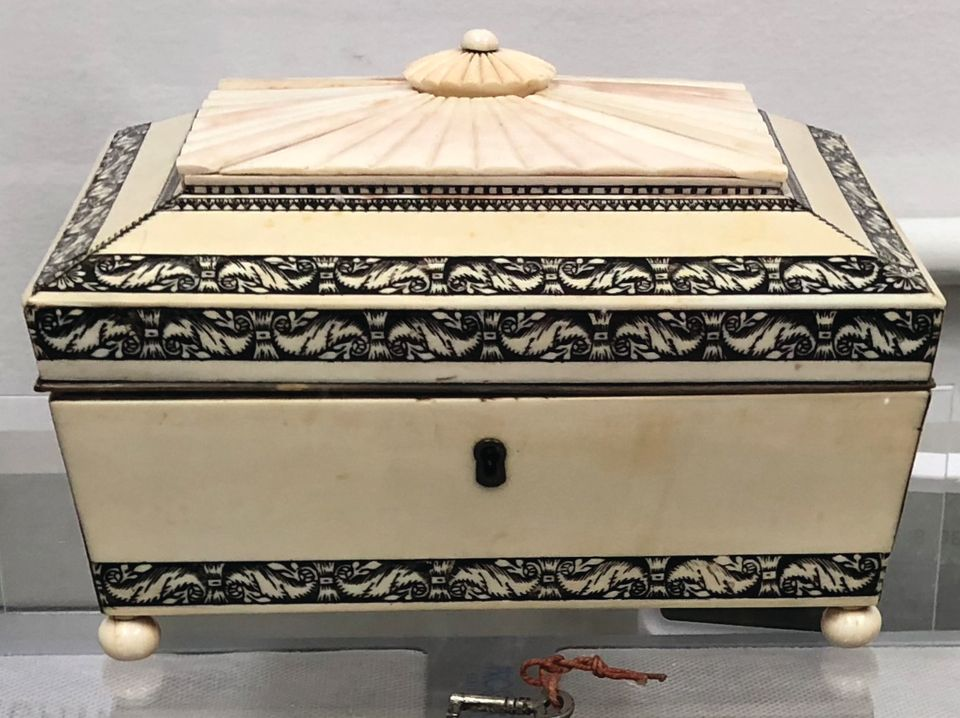Ivory veneered tea caddy, Indian, about 1800. Made for the western market
