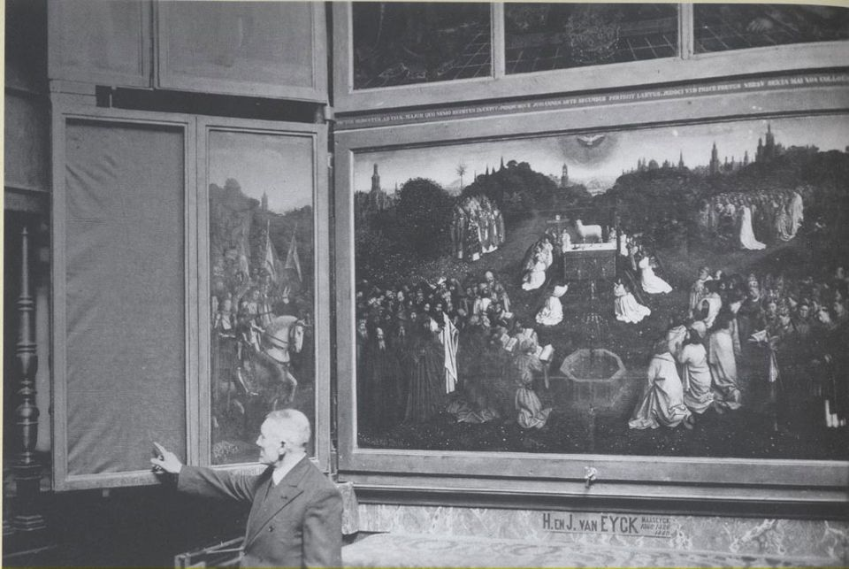 A photo from 1934 taken the morning of the discovery of the theft of the Righteous Judges panel from the altarpiece
