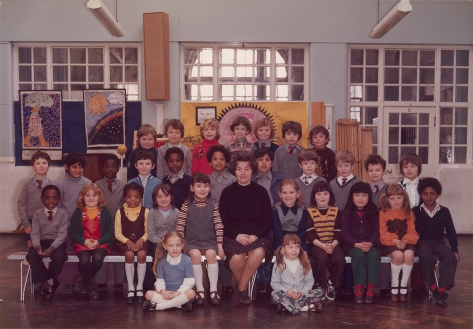 Steve  McQueen's  Year  3  class  at  Little  Ealing  Primary  School (1977). McQueen  is  seated  fifth  from  left  in  the  middle  row
