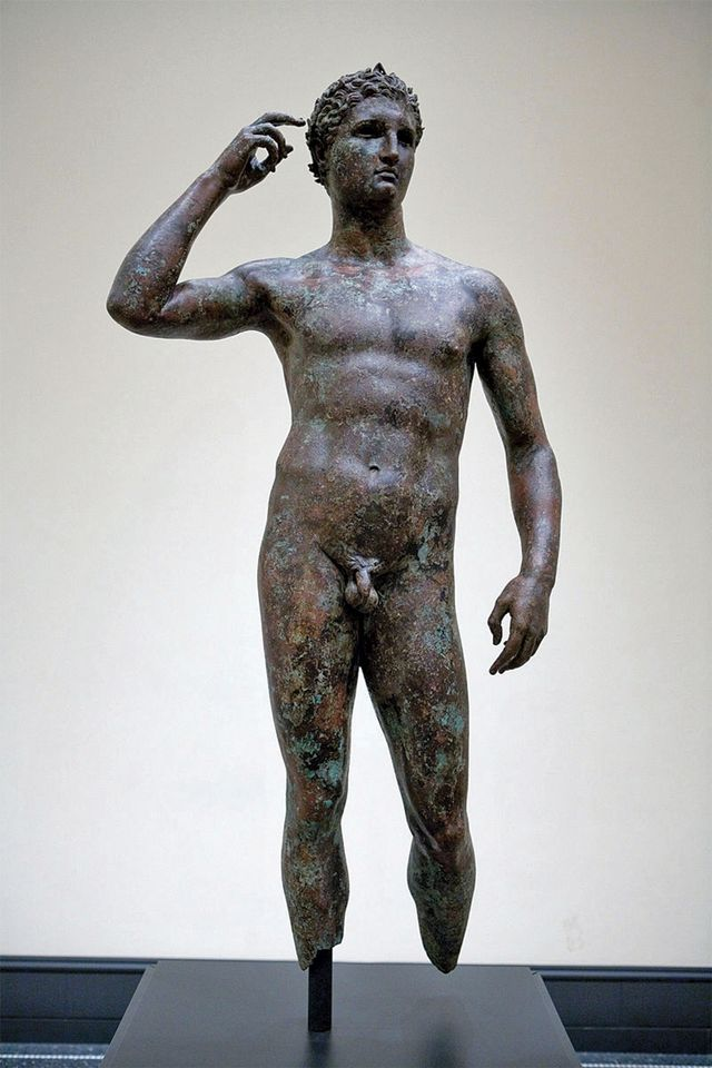 The contested Getty Bronze, found in international waters
