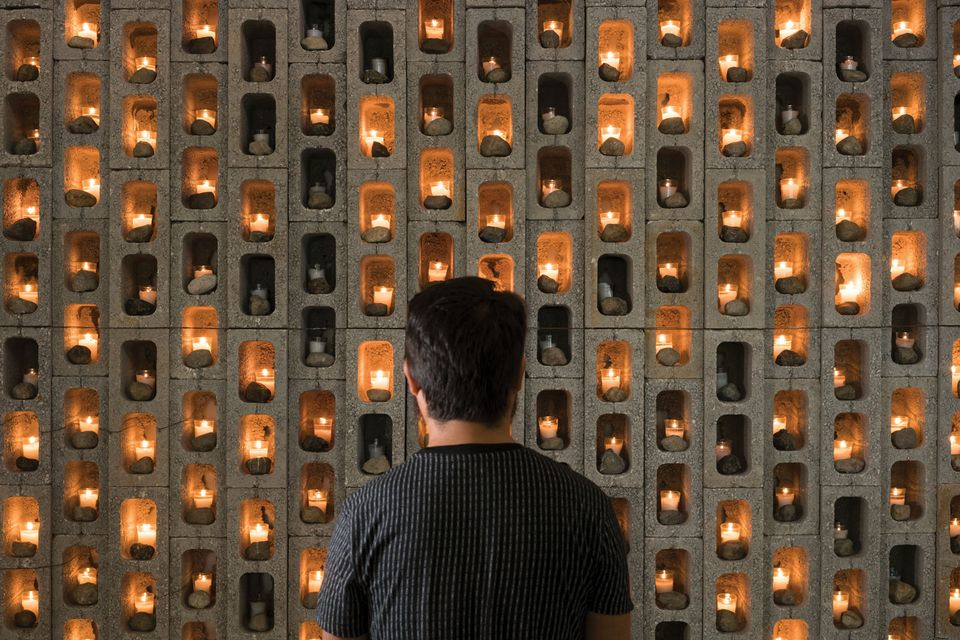 Marcos Agudelo, Nobody knows the past that awaits you: 448 (tranque) (2018) Marcos Agudelo: Agudelo's concrete wall pays tribute  to the victims of political violence