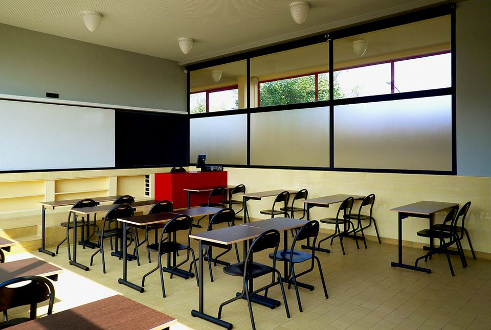 A classroom in the Karl Marx School