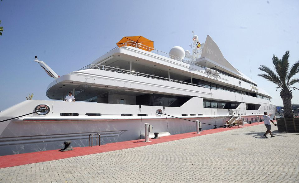 Works of art were spirited away from the super-yacht Indian Empress  before it was seized by authorities