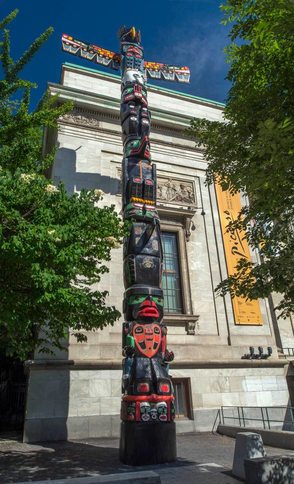 Hand of totem pole stolen from the Montreal Museum of Fine Arts is returned with apology note